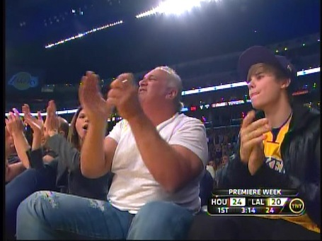 Lakers_bieber_medium