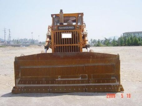 Bulldozer_medium
