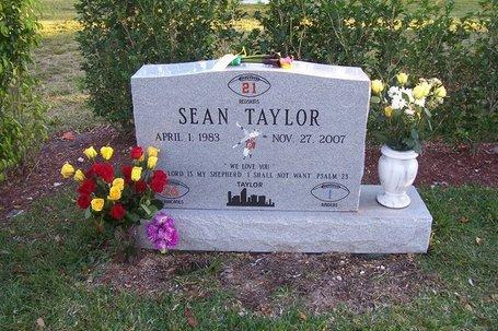 Taylor_grave_medium