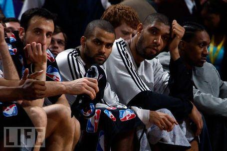 Spurs_bench_medium