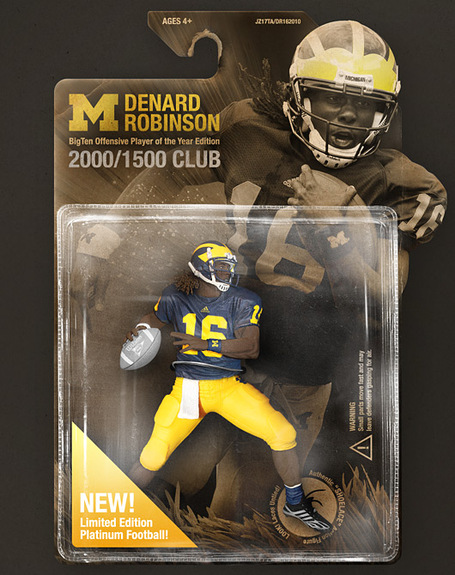 Denard_robinson_2010_bigten_offensive_player_of_the_year_wallpaper_preview_medium