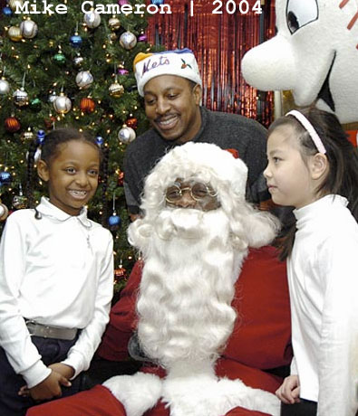 Mets_santa_2004_mike_cameron_medium
