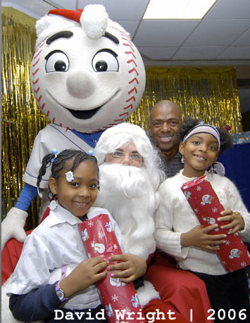 Mets_santa_2006_david_wright_medium