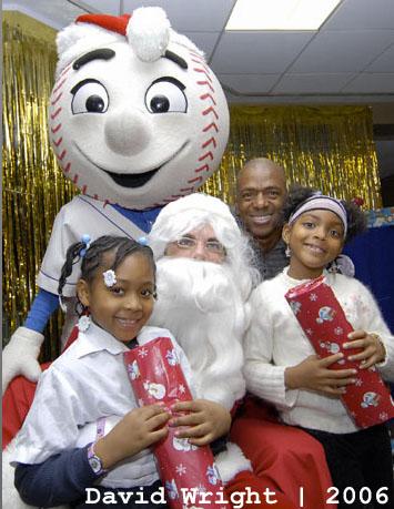 Mets_santa_2006_david_wright_medium