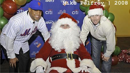 Mets_santa_2008_mike_pelfrey_medium