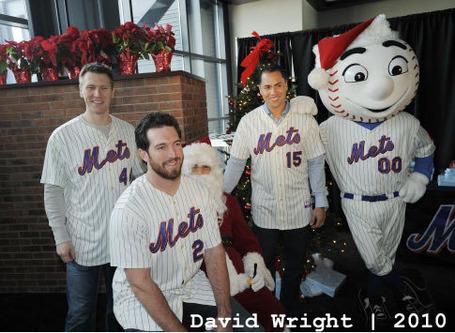 Mets_santa_2010_david_wright_medium