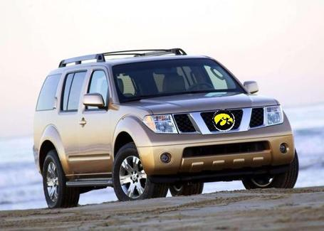 Nissan-pathfinder-01_medium