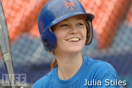 Mets-julia_stiles2_medium