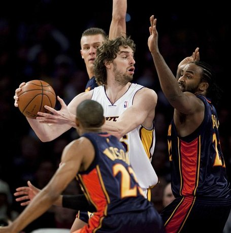 Gasol_and_3_warriors_medium