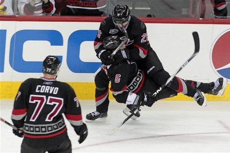 75193_thrashers_hurricanes_hockey_medium
