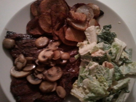 Moch_steak_and_salad_medium