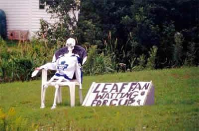 Leafs-fan-waiting-cup_medium