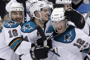 76619_sharks_penguins_hockey_medium