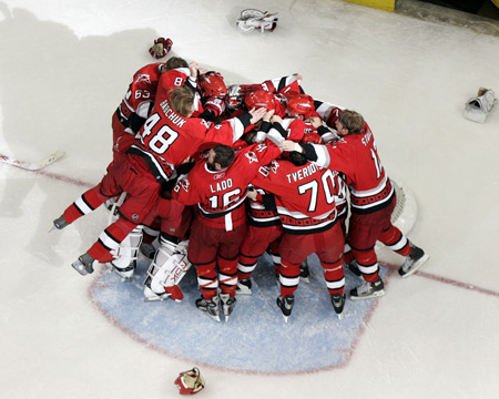 Carolina_hurricanes_champs_1_medium