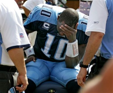 Vince_young_benched_medium
