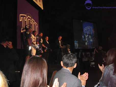 2011_tcu_uniform_02_medium