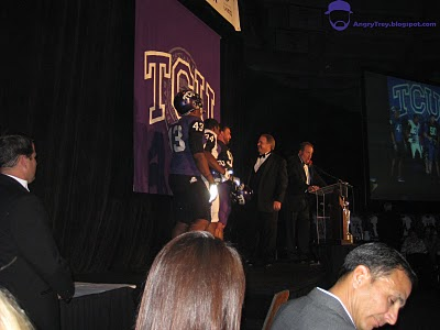 2011_tcu_uniform_01_medium