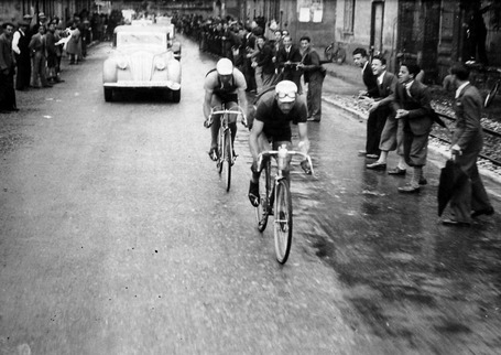 Bartali leading Valetti at 1939 Giro