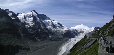Grossglockner_and_pasterze_glacier_medium