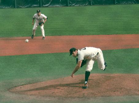 Osich_pitching_medium