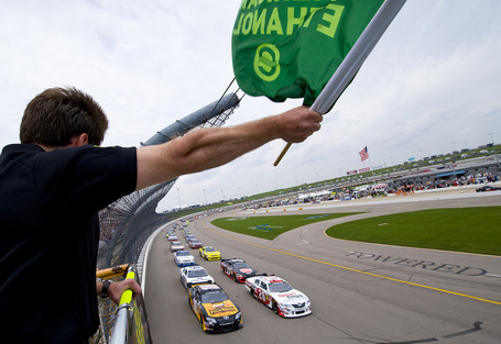 2011_iowa_may_nns_race_green_flag_1_medium