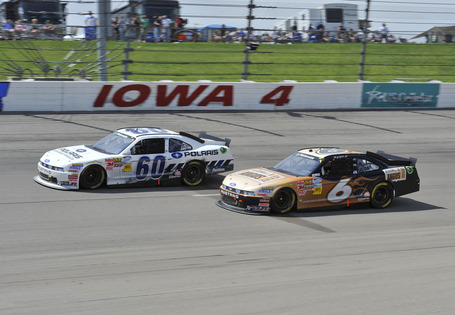 2011_iowa_may_nns_race_stenhouse_races_edwards_medium