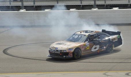 2011_iowa_may_nns_race_donuts_stenhouse_medium