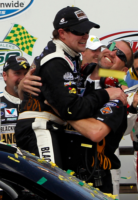 2011_iowa_may_nns_race_victory_lane_stenhouse_kelley_vertical_medium