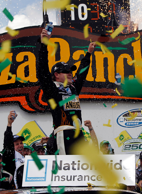 2011_iowa_may_nns_race_victory_lane_stenhouse_vertical_medium