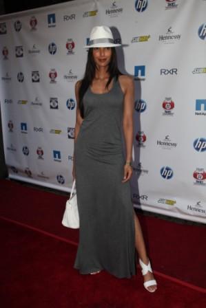 Padma_lakshmi_on_carpet_medium