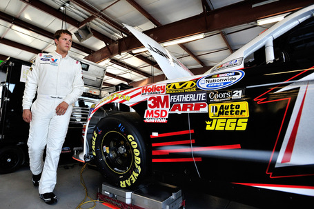 2011_chicagoland_june_nns_practice_trevor_bayne_walks_to_car_medium