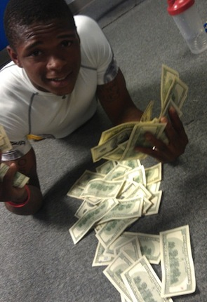 Photo Clemson Football Player Mike Bellamy The Richest