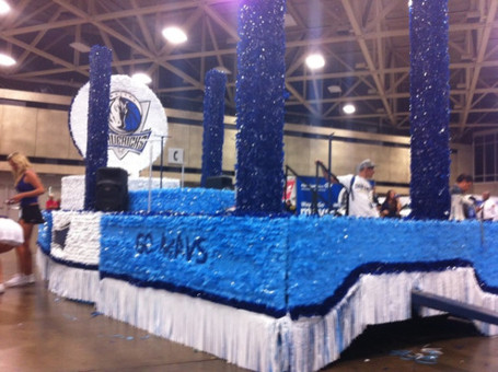 Mavs_parade_float_medium