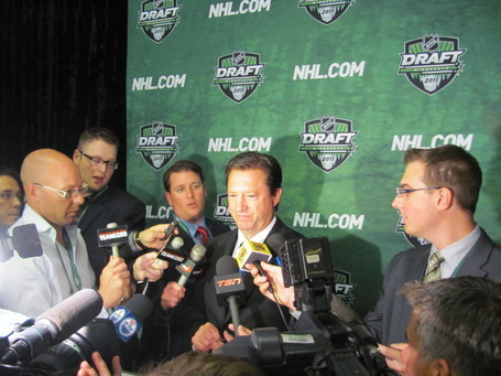 National_tally_room_2010_media_scrum_jpg_medium