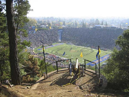 California_memorial_stadium_medium