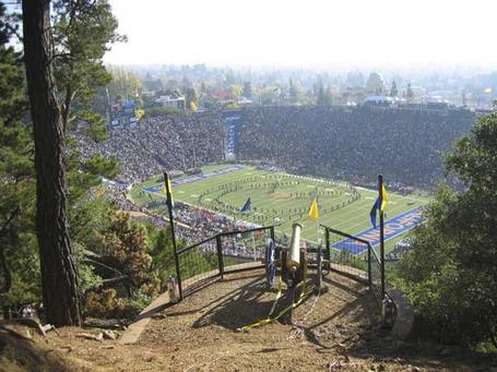 California_memorial_stadium_medium