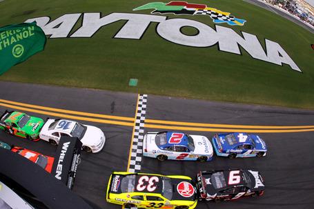 2011_daytona_july_nns_race_start_medium