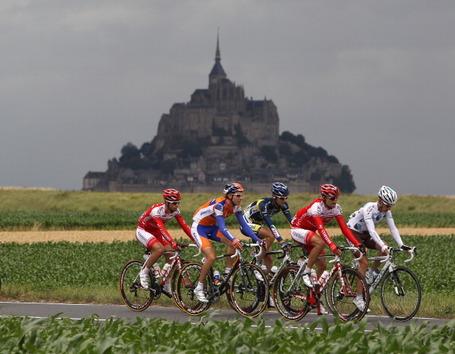 Tour de France, Stage 6 breakaway, Le Mont-Saint-Michel. Photo: Michael Steele/Getty.