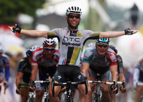 Mark Cavendish of HTC-Highroad outsprints André Greipel in Lavaur to win his second stage of the 2011 Tour de France. Photo: Bryn Lennon/Getty.