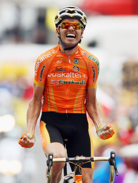 Samuel S&aacute;nchez of Euskaltel-Euskadi wins his first ever Tour de France stage at the summit of Luz Ardiden. Photo: Bryn Lennon/Getty.