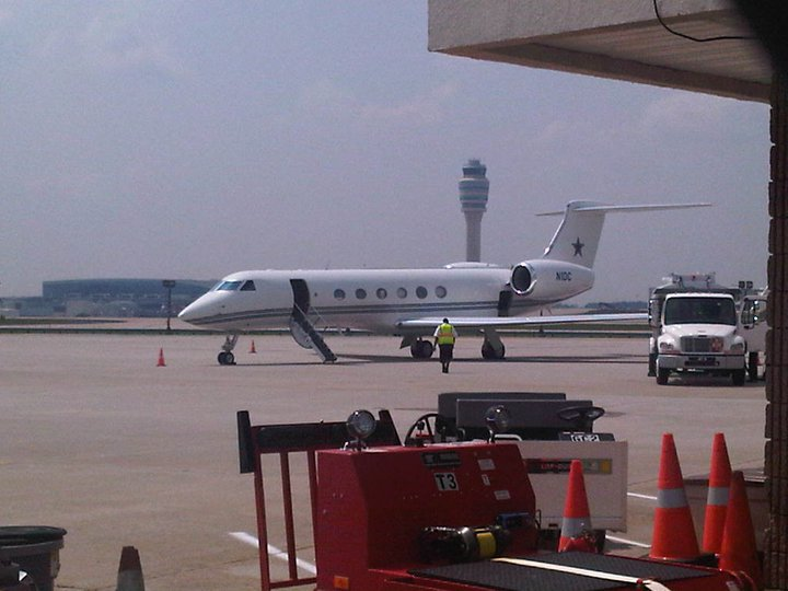 Jerry Jones Plane a