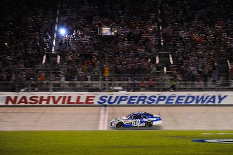 2011_nashville_july_nns_race_edwards_finish_line_medium