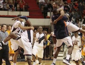 Auburn_basketball_medium