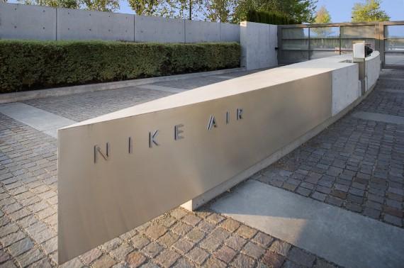 Nike-hangar-04