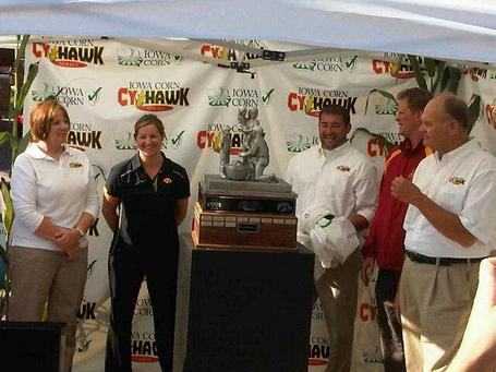 New_cy-hawk_trophy_medium