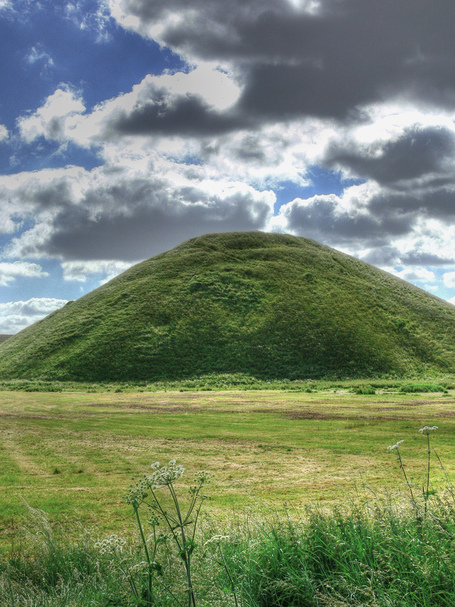 Silbury-hill-hdr-cc-tag_medium