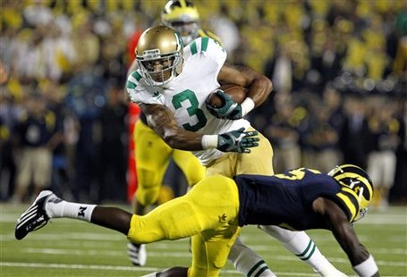 Notre_dame_michigan_football_61491_game_medium