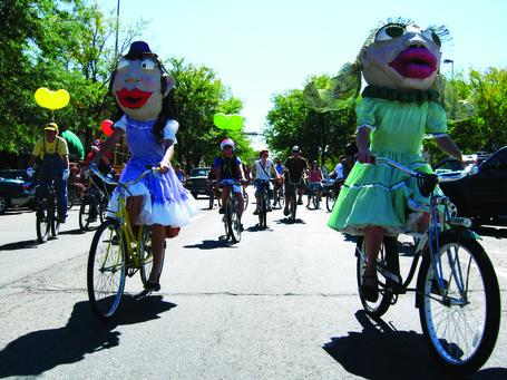 Bike_parade_fc07_amg_medium