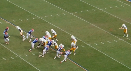 Florida_tennessee_punt_block_2_medium