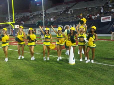 Oregon_cheerleaders_arizona_medium
